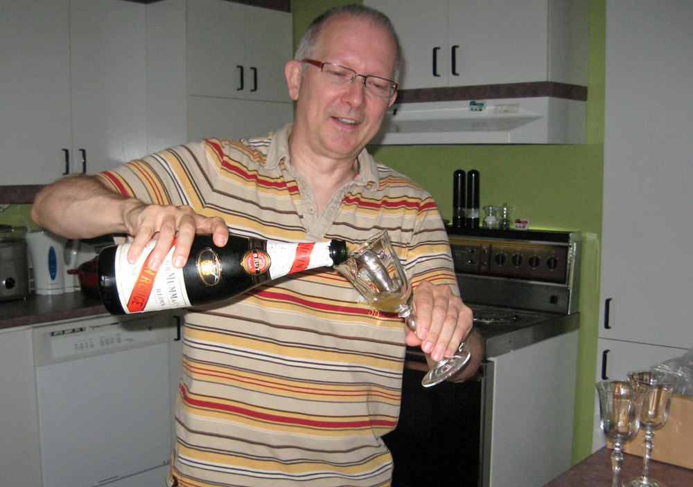 Photos/summer2011/champagne03.jpg